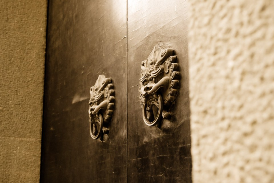 Chinese-doors-1140553