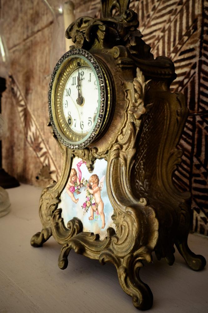 clock-1270398