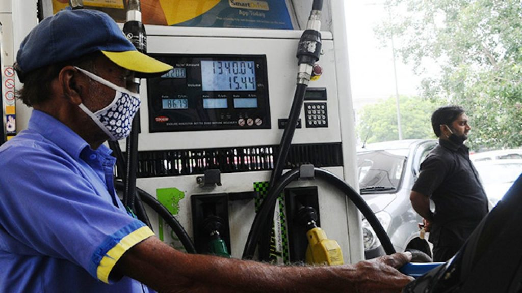 Carolina Gas Prices Reduce with Crude Price Fluctuations