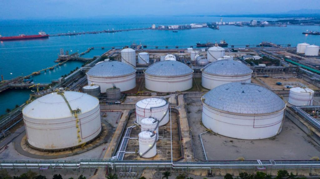 With growing US Natural Gas Exports Environmental Groups request to halt new construction of LNG facilities