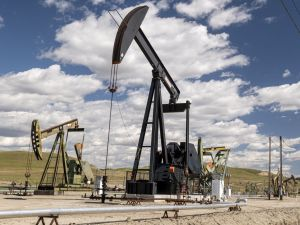 Two Industries Affected by High Oil Prices say Wall Street Analysts