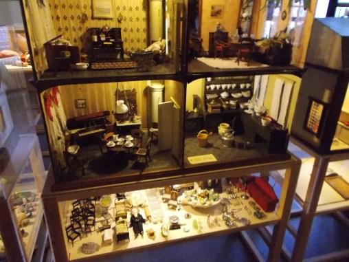 Amazingly detailed doll house!