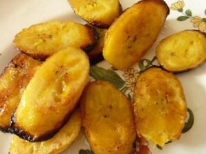 жареные бананы ,,Аlloko,, - это подорожник ...)))