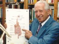 доктор Бернард Джонсон.