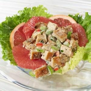 Салат из курицы и грейпфрута.