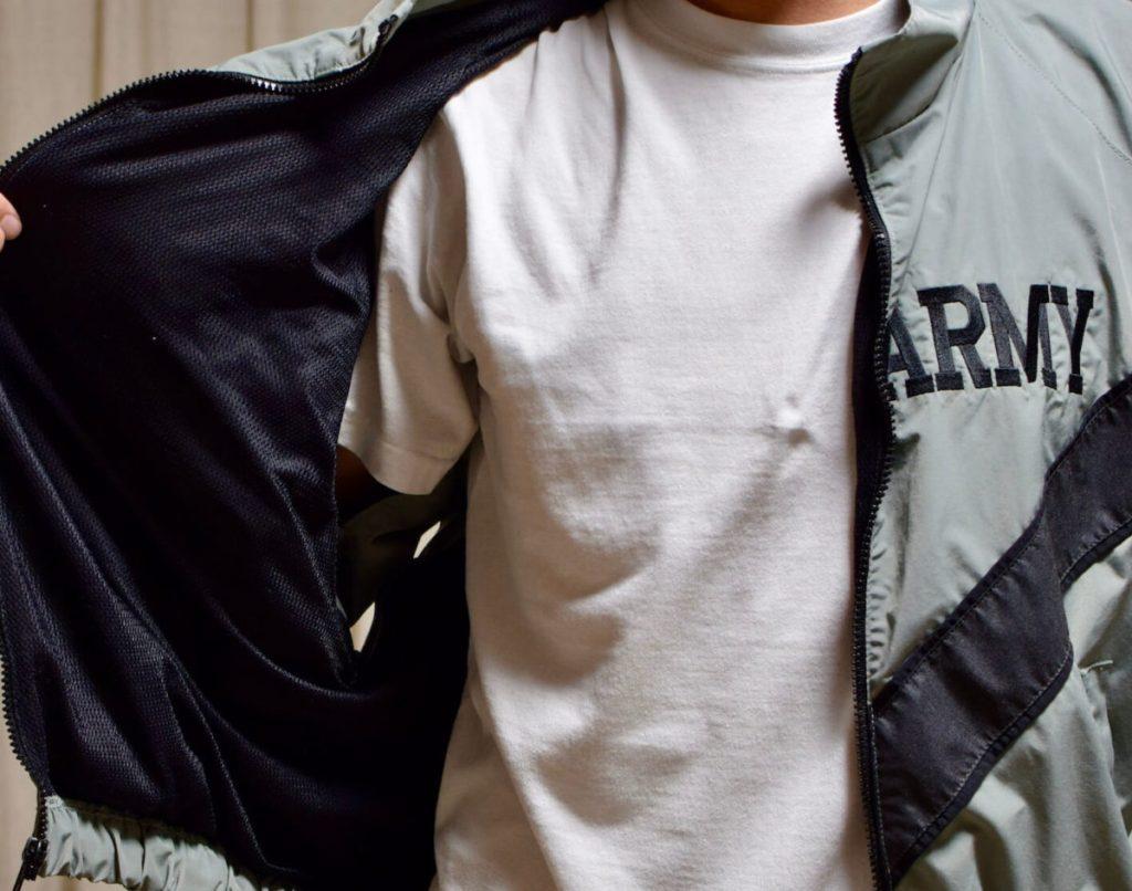 IPFUフィットネスジャケットの内側はメッシュ