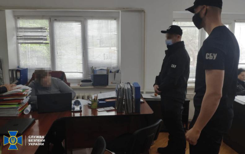 Экс-глава Госгеокадастра в Закарпатской области помог украсть участок в Ужгороде