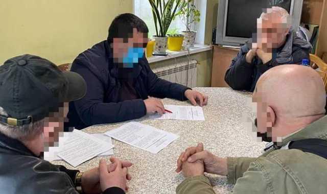 Мошенники в Киеве обещали помочь с украинским гражданством за 11 тысяч долларов