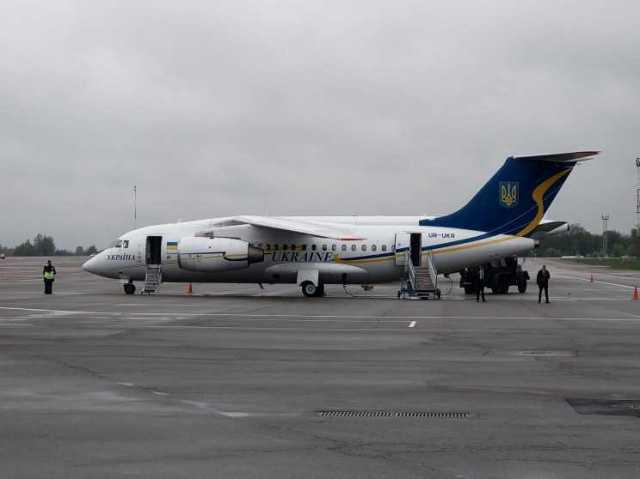 Зеленський разом з послами G7 прилетів на Луганщину –