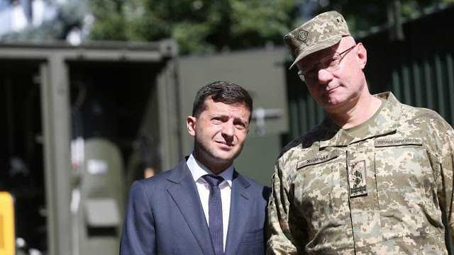 На фоне эскалации ситуации на Донбассе, Хомчак хвалится тем, что запугал Президента