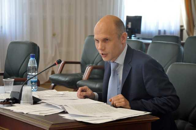 Антон Лопатин продолжает грабить государство, только уже законно?