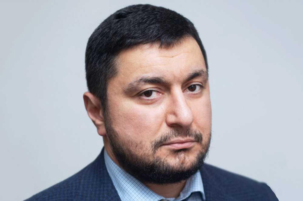 Мисак Хідірян — конвертатор і обнальщік пов'язаний з «ДРН» та РФ зачищає інтернет в надії врятуватися від санкцій РНБО