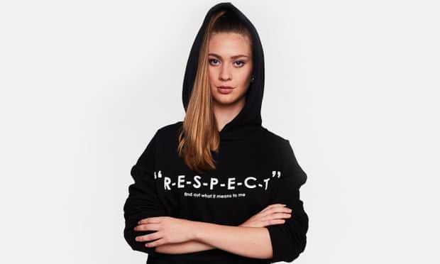 Толстовка Zara RESPECT, для которой исследователи попытались определить затраты на рабочую силу.