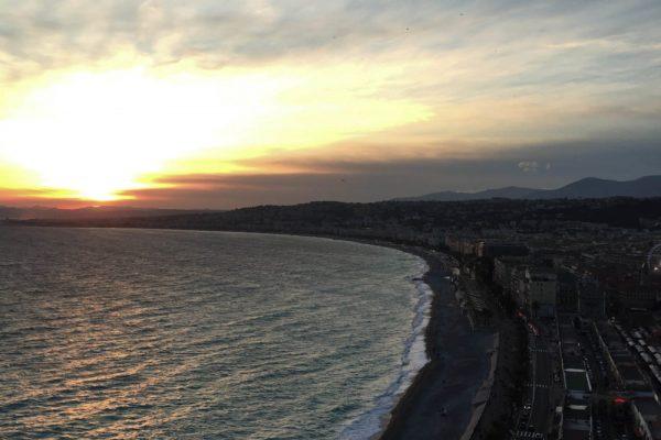 Coucher-de-soleil-colline-du-chateau-Nice-e1488383921632-600x400
