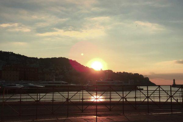 Port-de-Nice-coucher-de-soleil-e1488383841546-600x400