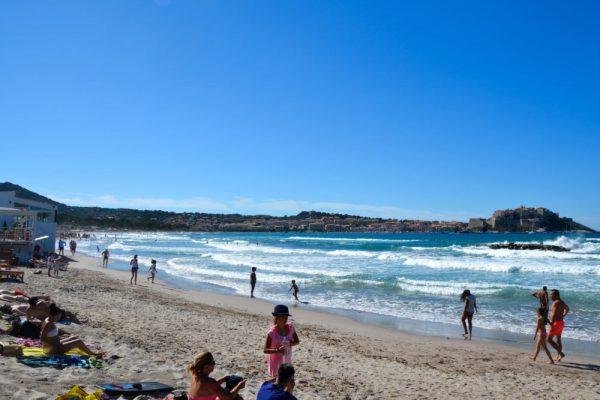 plage-de-calvi-haute-corse-1-e1489050270116-600x400