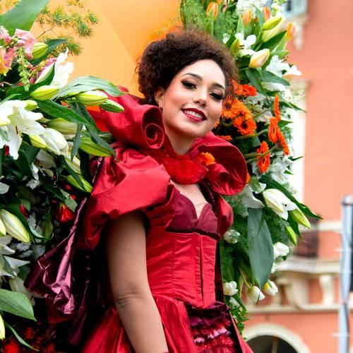 fleurs-roi-de-lespace-carnaval