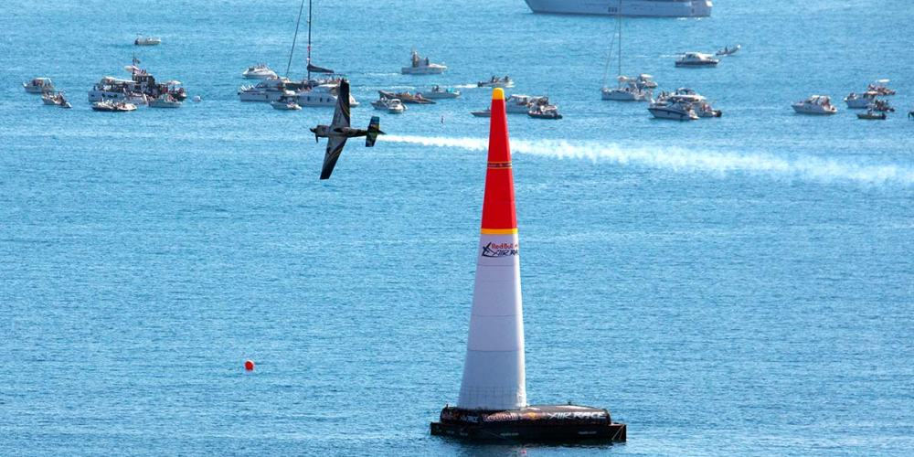 cote-dazur-france-cannes-re-bull-air-race