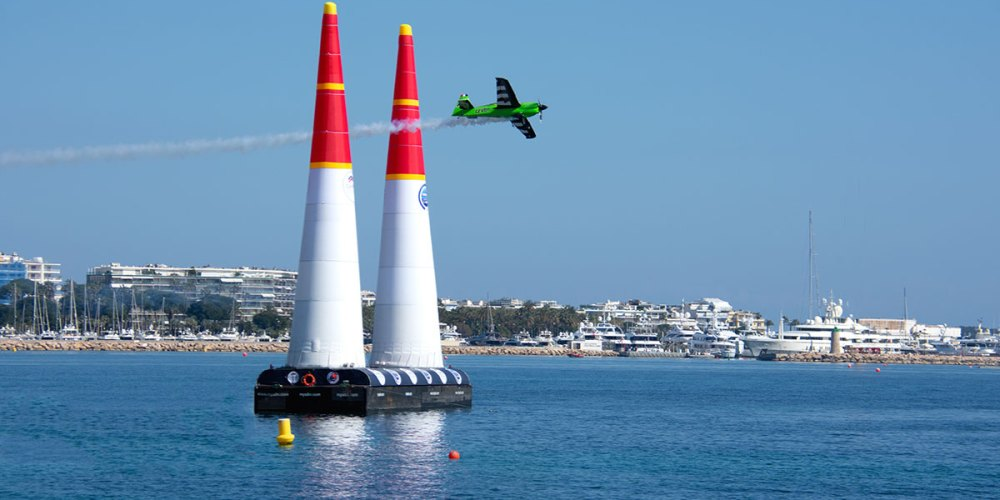 françois-le-vot-red-bull-air-race-cannes-croisette