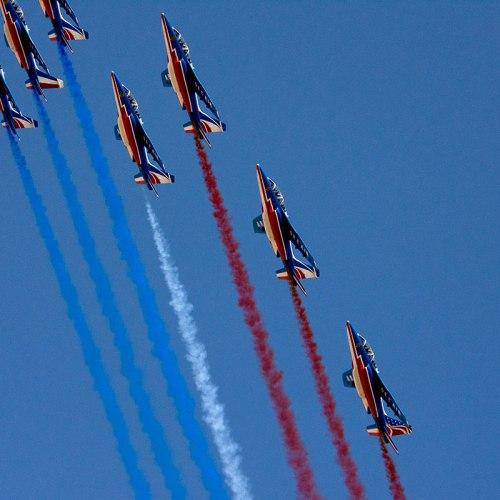 patrouille-de-france-cannes-croisette-red-bull-air-race