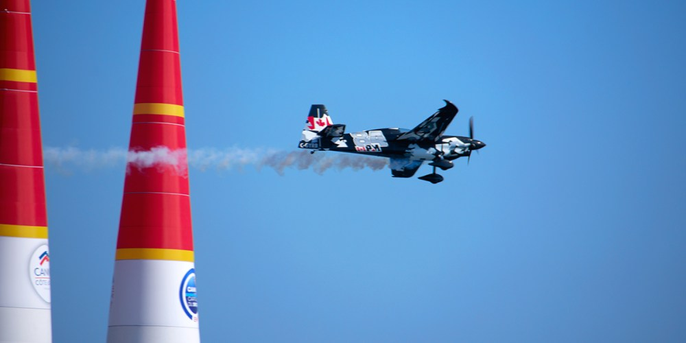 red-bull-air-race-cannes-aviation-cote-dazur-france