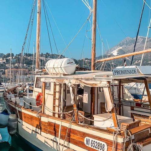 menton-promenade-bateau-mer