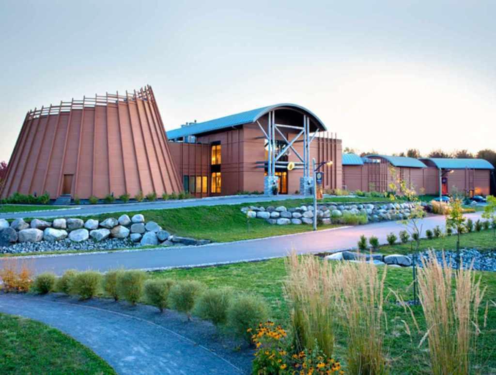 Hotel-Musée des Premières Nations, road-trip au Québec en automne et en famille
