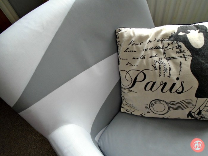 how-to-paint-a-fabric-sofa