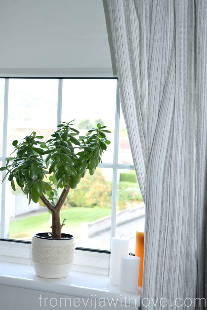 living-room-blind