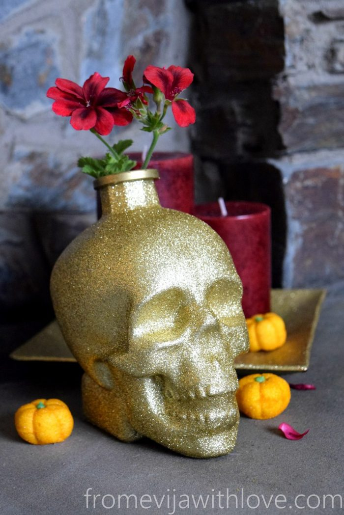 red-candle-skull