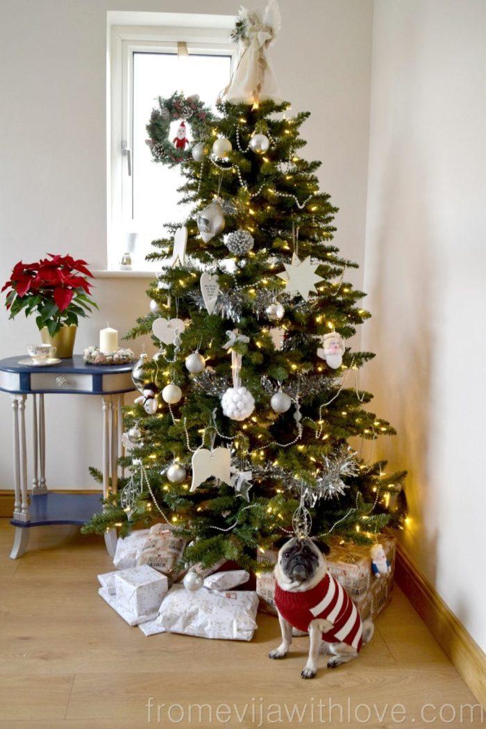christmas-tree-pug