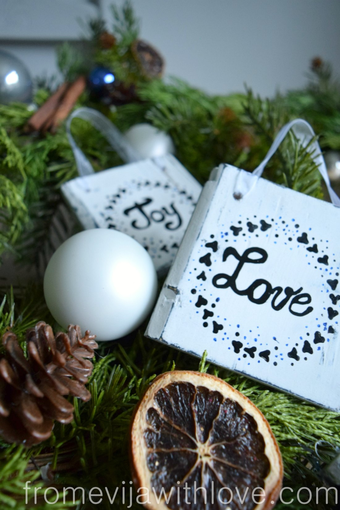 Create A Beautiful Rustic Christmas Ornament From Palletwood From