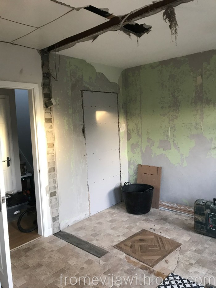 Kitchen renovation how to knock an internal wall