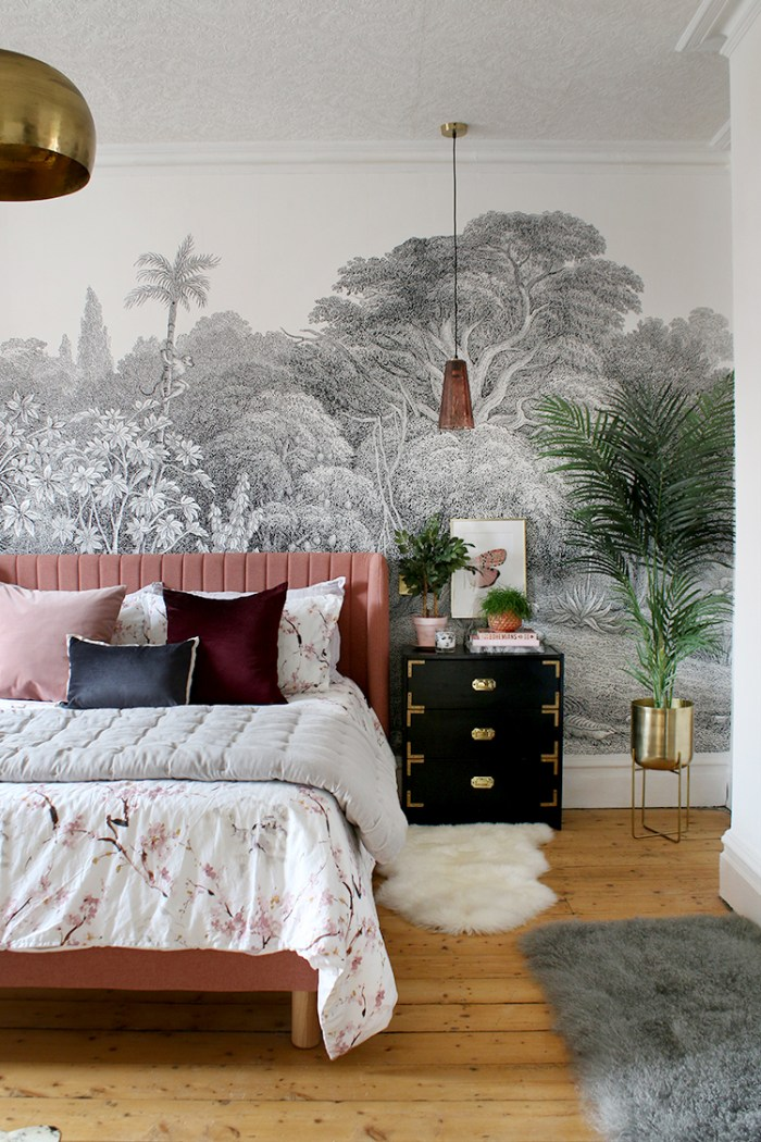 Bohemian Style Bedroom Setting - Decorating Style