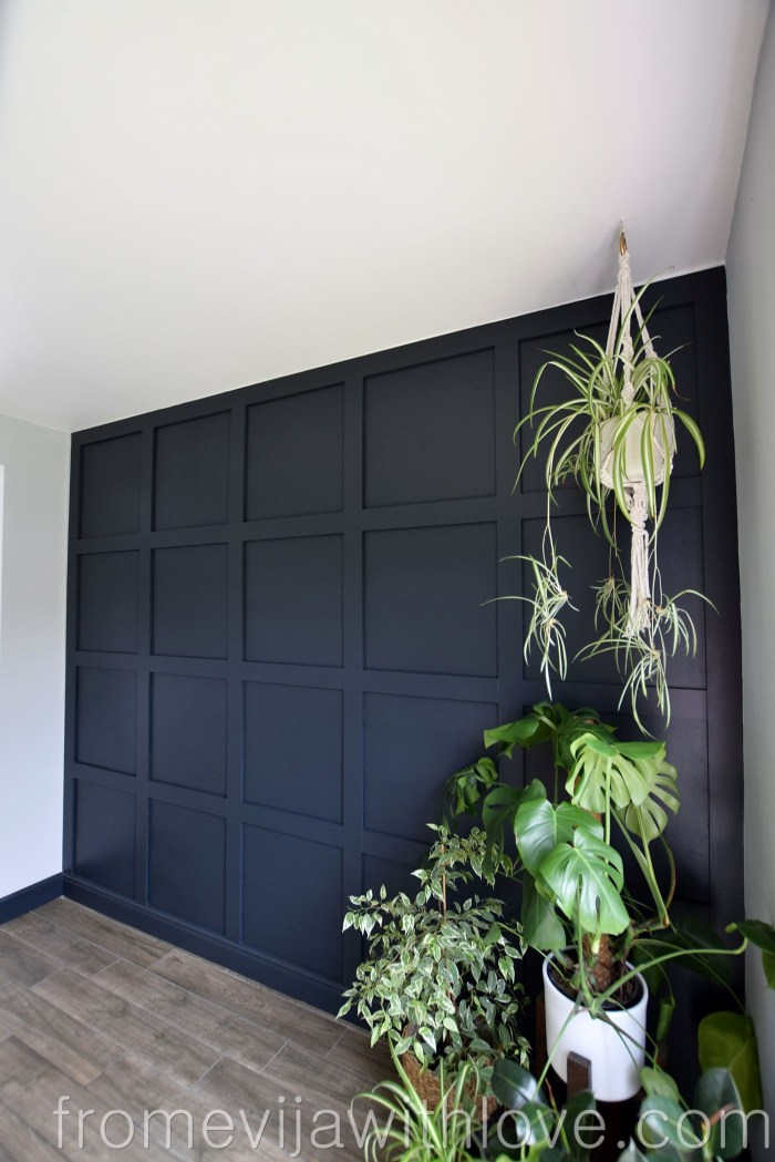Panelled wall, dark grey