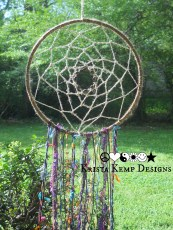 Hippie Dream Catcher-Who wouldn't want to trap their bad dreams with this gorgeous dream catcher?