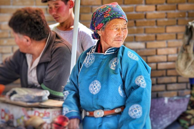 Erdenet market travel