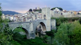 bridge in Besalu (3)