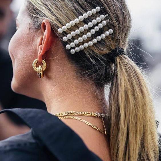 Pearl Hair Clip Style