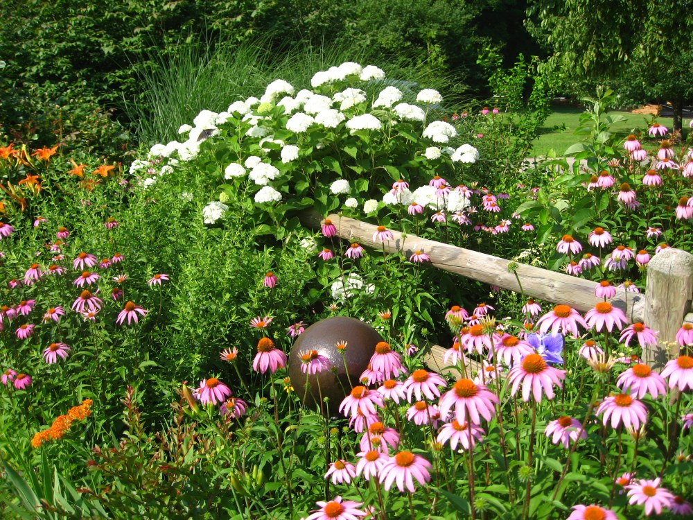 Benefit Garden Tour Hosted By Flower, Garden and Nature Society of NWAR