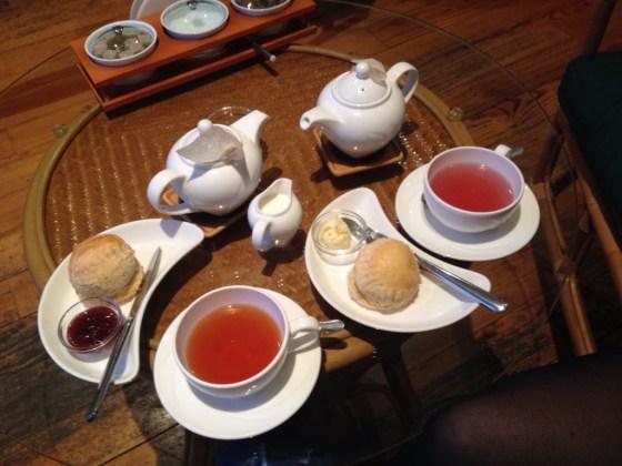 4.Scones e chá, na loja de chá
