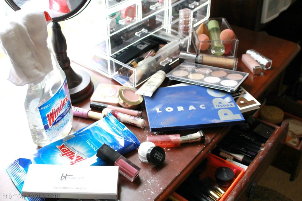 5 Tips to Keep Your Vanity Clean - Makeup Mess