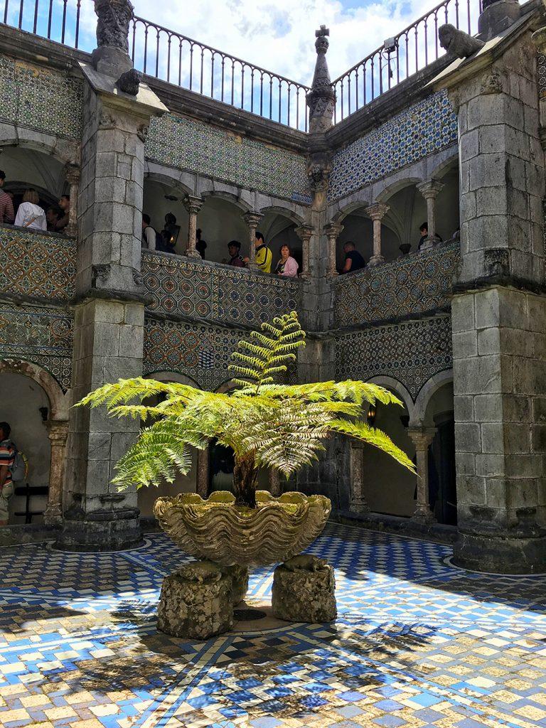 Cour du palais de Pena Portugal