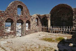 Intérieur des ruines du château Oia, Thira Grèce