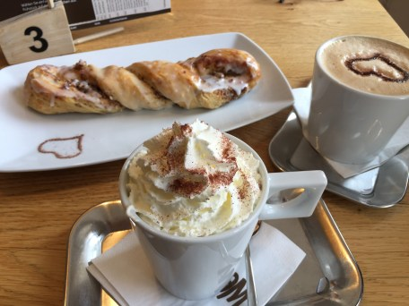 Hot drinks and tasty pastry