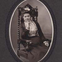 "Victorians in the ""family way"" - Photographs of Pregnant Ladies"