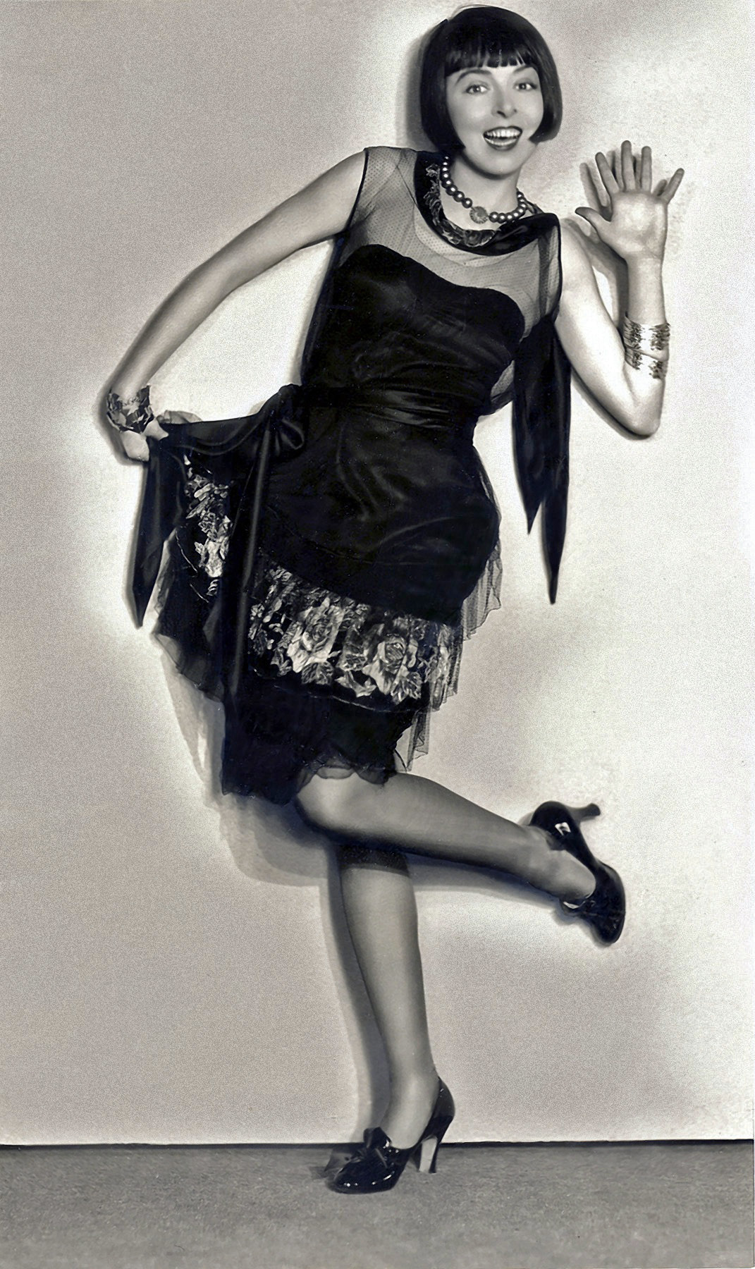 Famous Flappers Of The Roaring Twenties