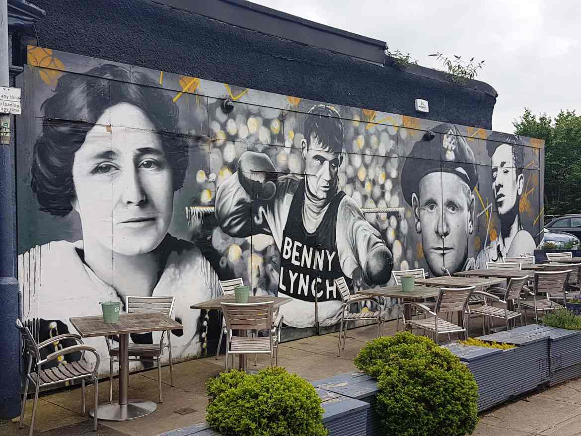 Murals on the walls of Glasgow's streets, #fromthecornertable