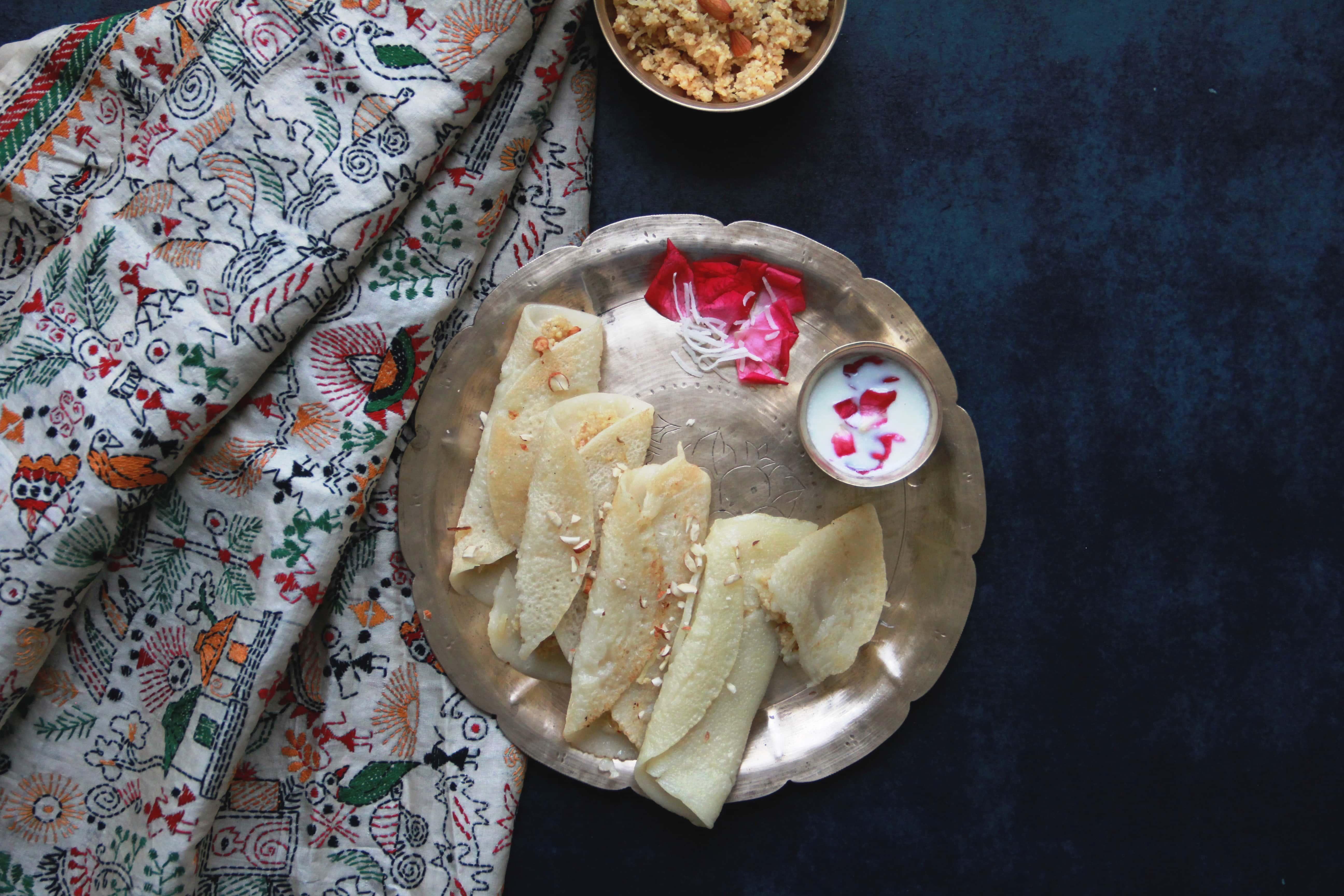 patishapta, fromthecornertable#fromthecornertable from the corner table, fromthecornertable, food blog, travel tuck-in talk, recipe, patishapta, pithe, bengali dessert, bengali food, bengali sweets, crêpe, Photo: Vaibhav Tanna