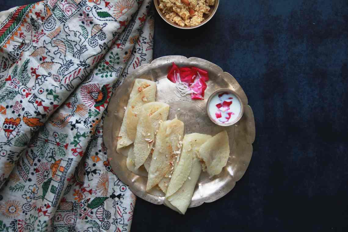 patishapta, fromthecornertable#fromthecornertable from the corner table, fromthecornertable, food blog, travel tuck-in talk, recipe, patishapta, pithe, bengali dessert, bengali food, bengali sweets, crêpe, Photo: Vaibhav Tanna